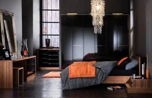ciemne kolory w sypialni