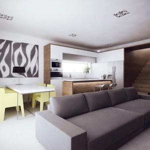 szara sofa w salonie