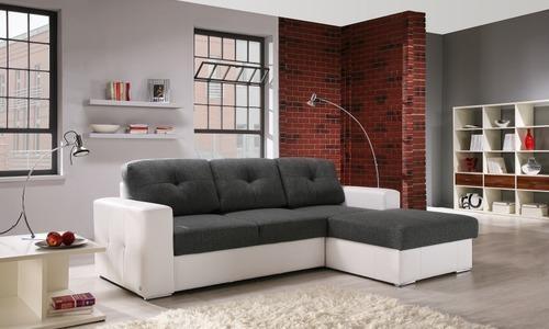 aranzacja salonu z sofa